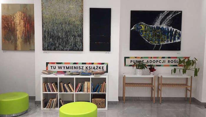 darmowa wymiana książek i punkt adopcji roślin w Galerii Łomianki