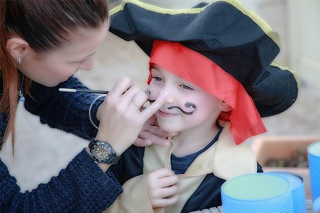Malowanie twarzy dziecka