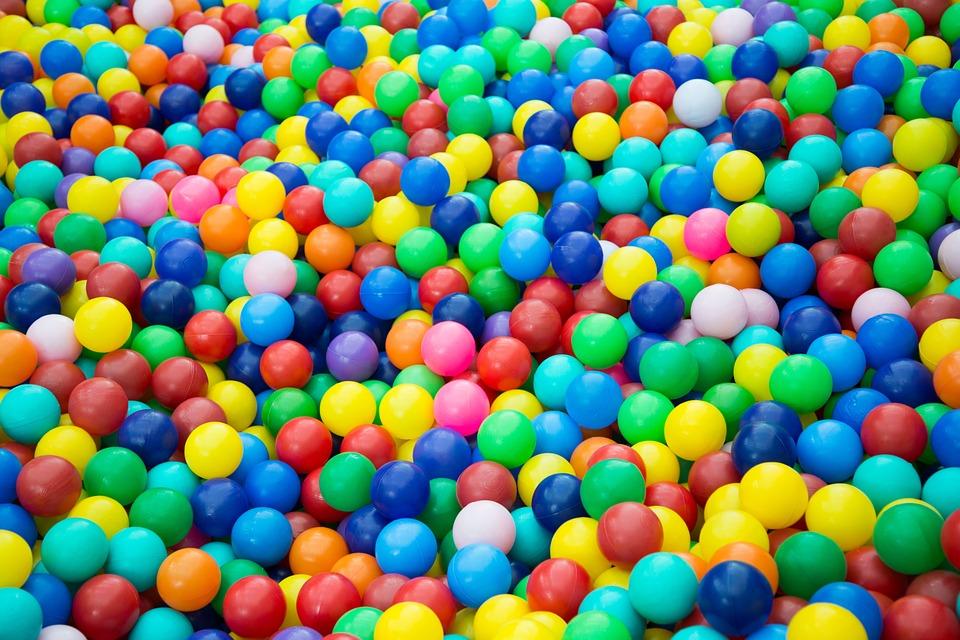 basen z piłeczkami dla dzieci