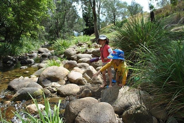 Dzieci nad wodą - bezpieczne wakacje