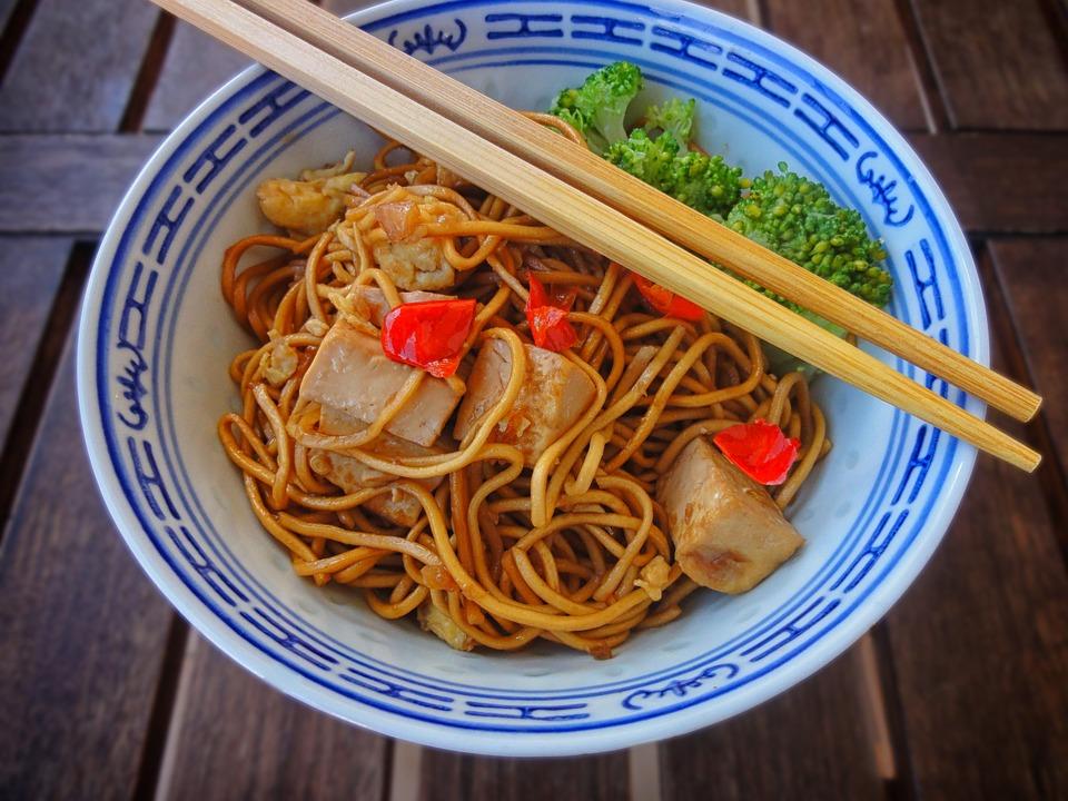 Makaron sojowy z tofu