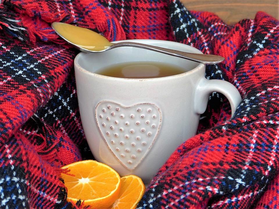 Ciepła herbata z cytryną