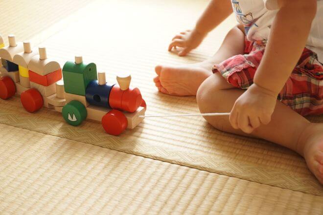 zabawkowy pociąg