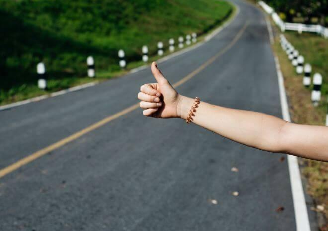 nastoletnie podróże autostopem