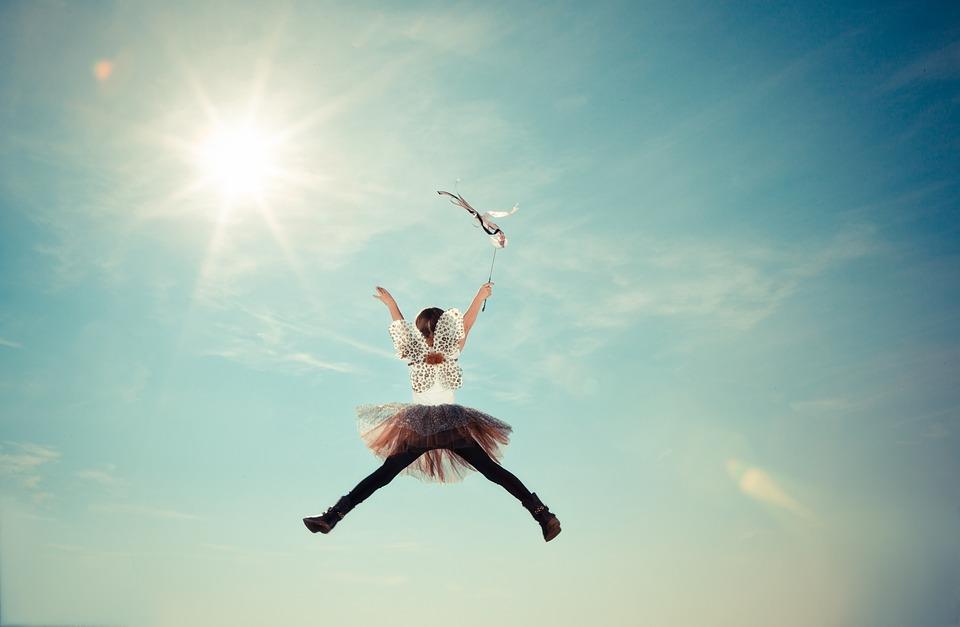 Dziewczynka tańcząca