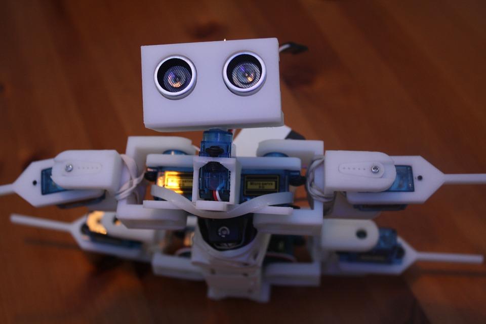 Robot wykonany na zajęciach z robotyki dla dzieci