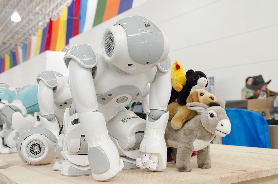 Roboty i zabawki dla dzieci