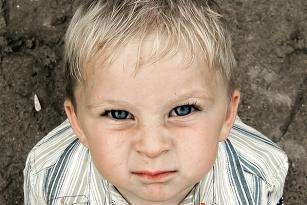 Mały złośnik - jak radzić sobie ze złością i napadami histerii u dziecka?